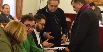 Alarcó, reforzado tras ganar Casado, tiene en sus manos el éxito de la censura