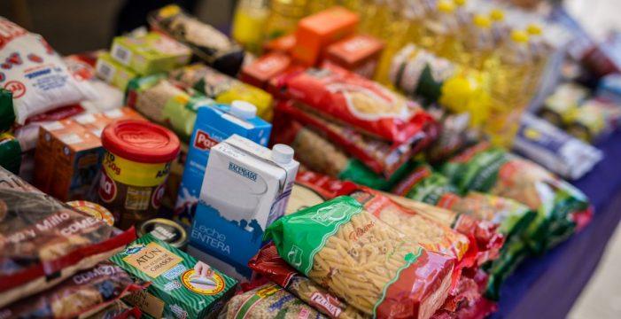 La Consejería de Educación del Gobierno de Canarias reparte tarjetas de 120 euros para comprar alimentos
