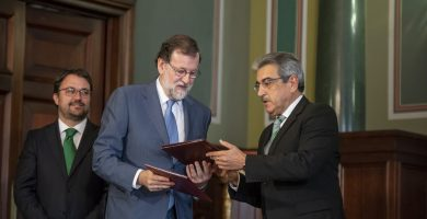 Mariano Rajoy y Román Rodríguez acordaron el descuento en los PGE 2018. | EP