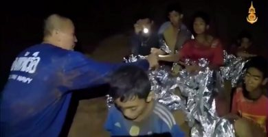 Los equipos de rescate consiguieron sacar de la cueva de Tailandia a todos los niños atrapados y su entrenador. | EP