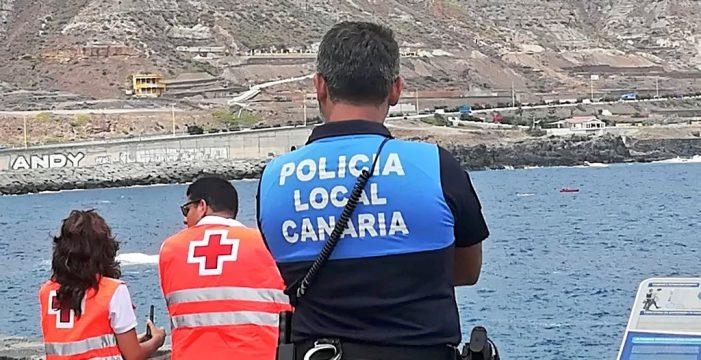Aparecen restos del fuselaje de un avión en aguas de Las Palmas