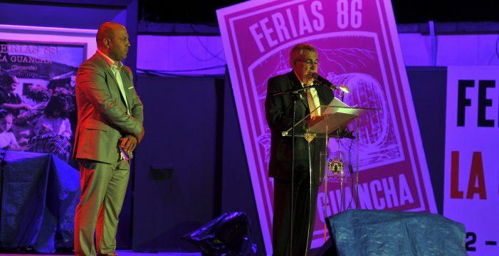 El periodista Salvador Pérez donará todo su archivo al pueblo
