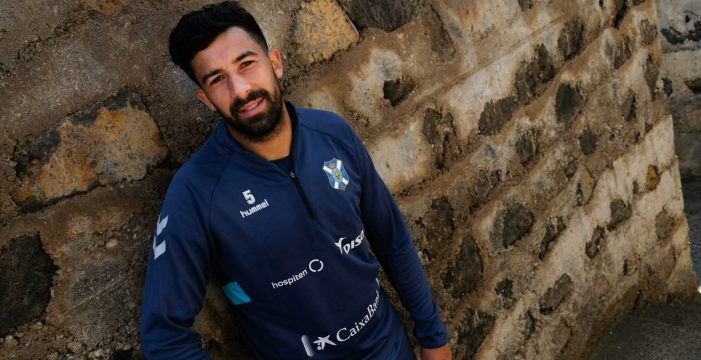 El Huesca muestra interés por Alberto, pero el CD Tenerife no quiere venderlo