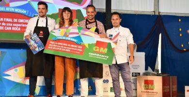 Francisco Medina y Borja Marrero, ganadores del concurso de cocineros patrocinado por GMcash en la Feria del Atún de Mogán