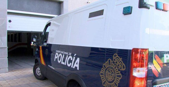 La detenida por el incendio de La Candelaria, devuelta a los calabozos
