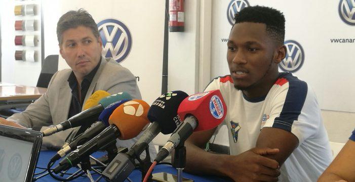 """Chilunda, nuevo jugador del CD Tenerife: """"Me encuentro bien físicamente, no creo que tarde demasiado en ponerme a tono"""""""