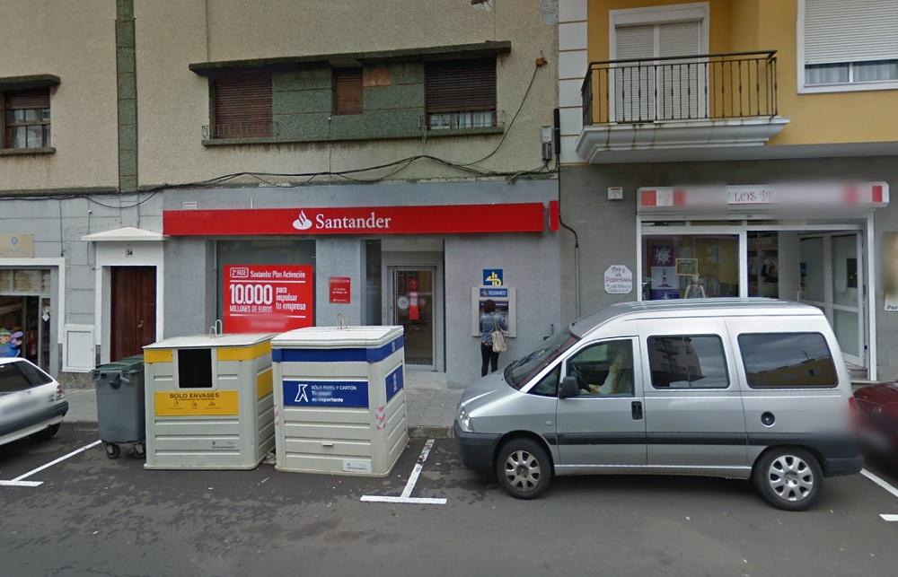 Sucursal del Banco Santander en Breña Alta (La Palma). | Google Maps