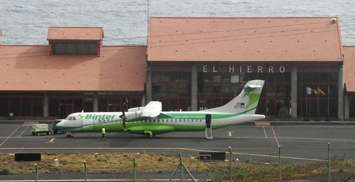 Binter programa tres vuelos especiales para regularizar la salida de pasajeros de El Hierro