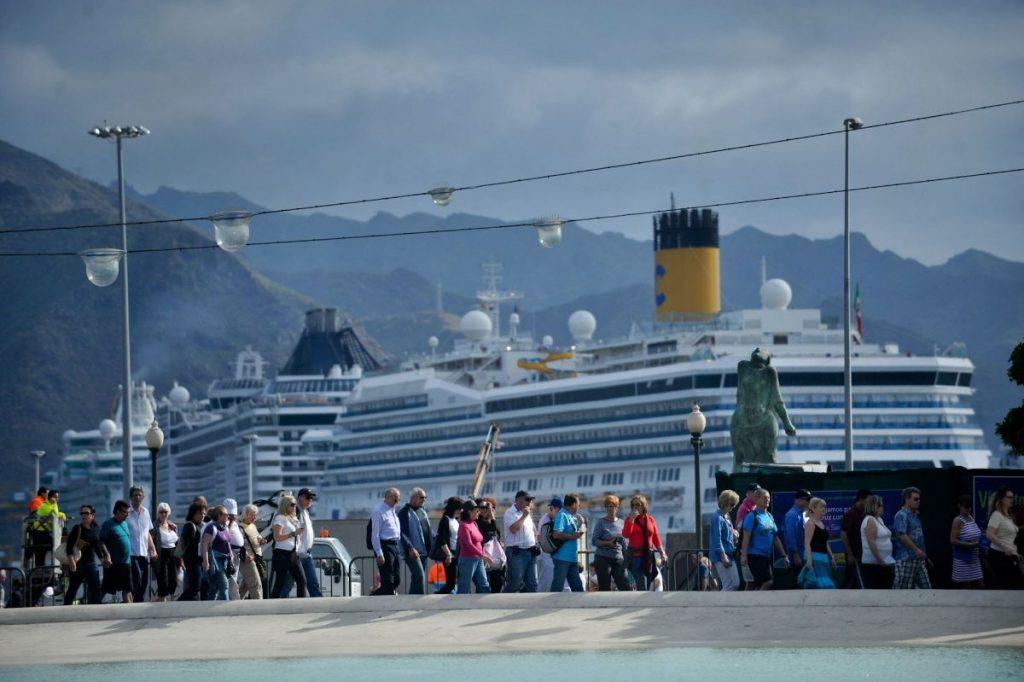 Santa Cruz quiere aprovechar el influjo económico de los miles de cruceristas que llegan a la ciudad a través del puerto capitalino. Fran Pallero
