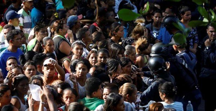 Henrique Otero, editor de 'El Nacional', pide combatir las medidas económicas de Maduro