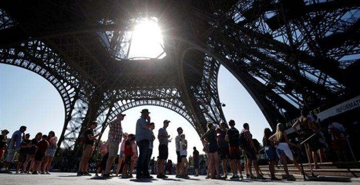 La Torre Eiffel vuelve a abrir tras dos días cerradas por un conflicto laboral