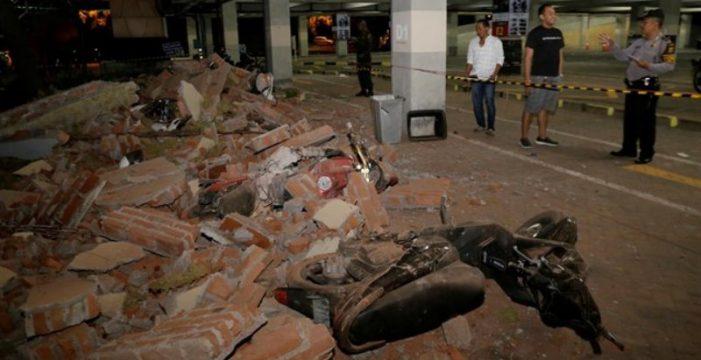 Al menos tres muertos y 12 heridos por el terremoto y posterior tsunami en la costa de Indonesia