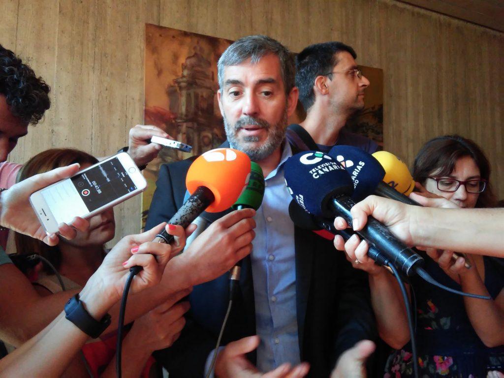 Fernando Clavijo defiende su inocencia en el caso Grúas. / EP