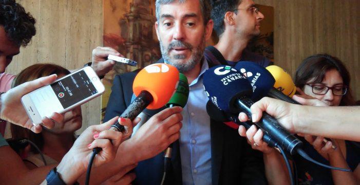 """Clavijo acusa al PSOE de """"saltarse la presunción inocencia"""" si le censura por declarar"""