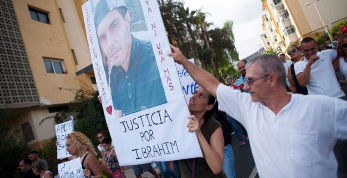 """Cabo Blanco condena el asesinato de Ibrahim Cubas con una marcha """"por la seguridad"""""""