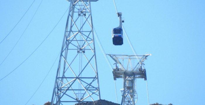 El Teleférico del Teide retoma su actividad, a la espera de nuevos estudios