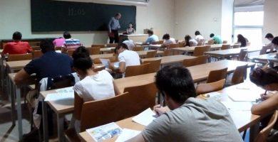 Un centenar de profesores sin plaza presentarán recursos ante Educación