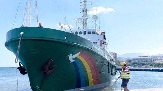 """Greenpeace advierte de que los vertidos en las Islas pueden convertir la costa en una """"cloaca"""""""