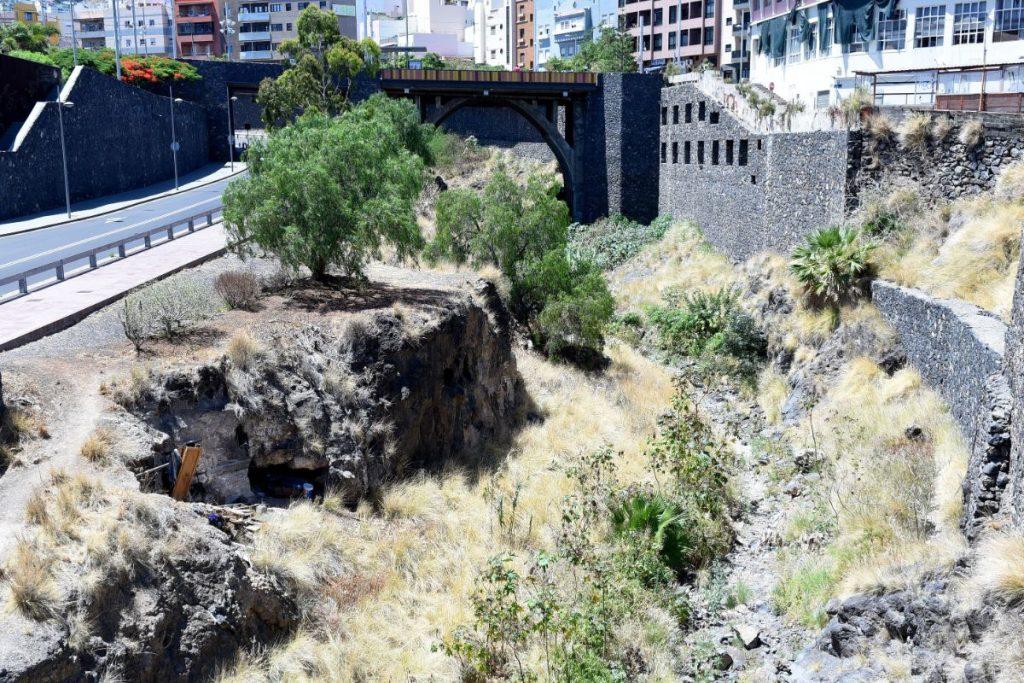 El barranco de Santos es el mejor ejemplo de la desidia en lo que al mantenimiento de los cauces se refiere. Sergio Méndez