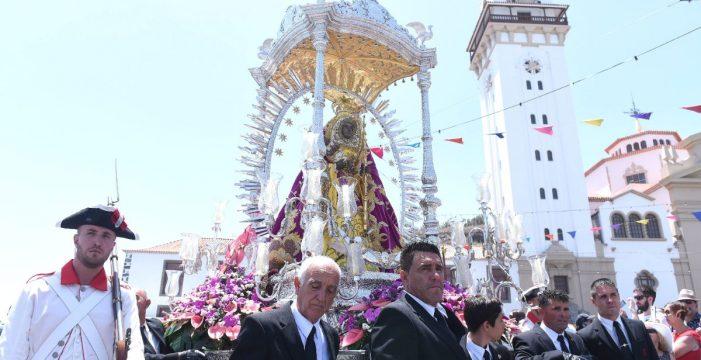 Los peregrinos responden  a la llamada de la Morenita