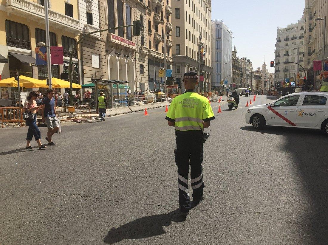 La Gran Vía, cortada por un escape de gas. / EMERGENCIAS MADRID