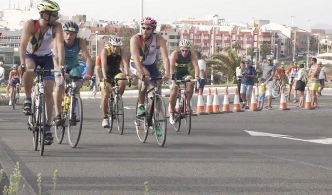 El triatlón de Salinetas, antepenúltima prueba de las Series Canarias de Triatlón