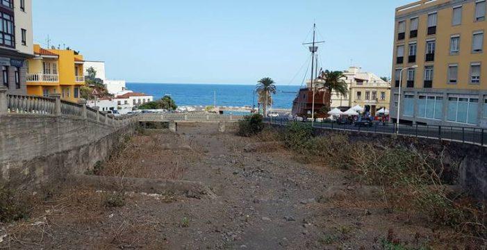 El estado del barranco de Las Nieves, un riesgo en la ciudad