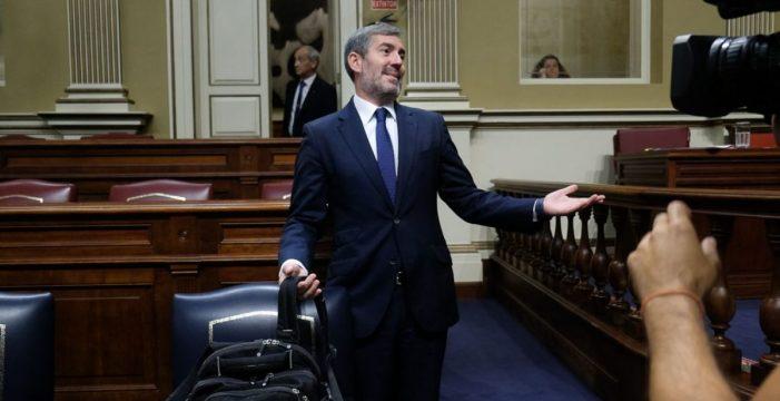 El PSOE y Clavijo escenifican en el pleno la confrontación electoral