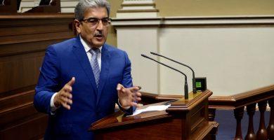 """Román Rodríguez, al Gobierno de Canarias: """"Son ustedes unos aficionados"""""""