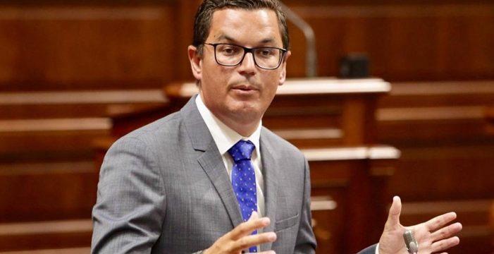 """La oposición ve """"electoralista"""" el Bono Residente Canario y reclama un uso """"único"""" para todas las islas"""