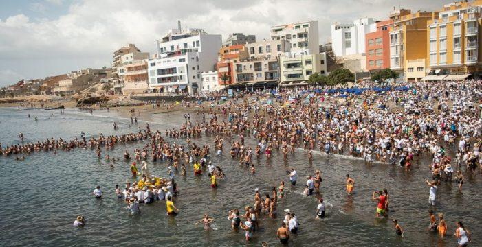 El Médano vuelve a presumir de su populosa romería barquera