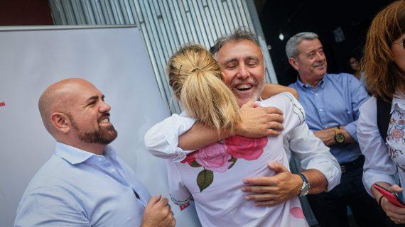 Ángel Víctor Torres se estrena como candidato en la Fiesta de la Rosa portuense