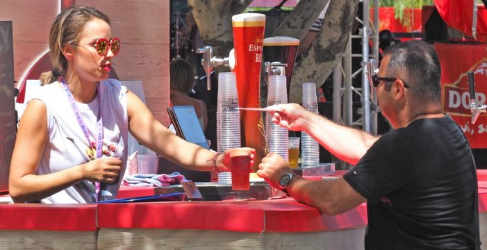 Cerveza y música en vivo se unen en la capital