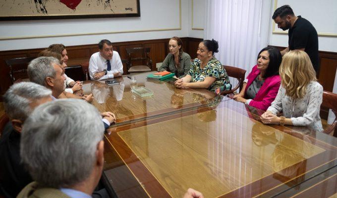Piden al Santander que ponga por escrito que frenará los desahucios en Añaza