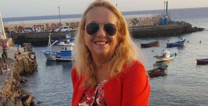 """El cruel cáncer de mama de Carmen que acabó en mastectomía: """"Necesitaba seguir aquí por mis hijas"""""""