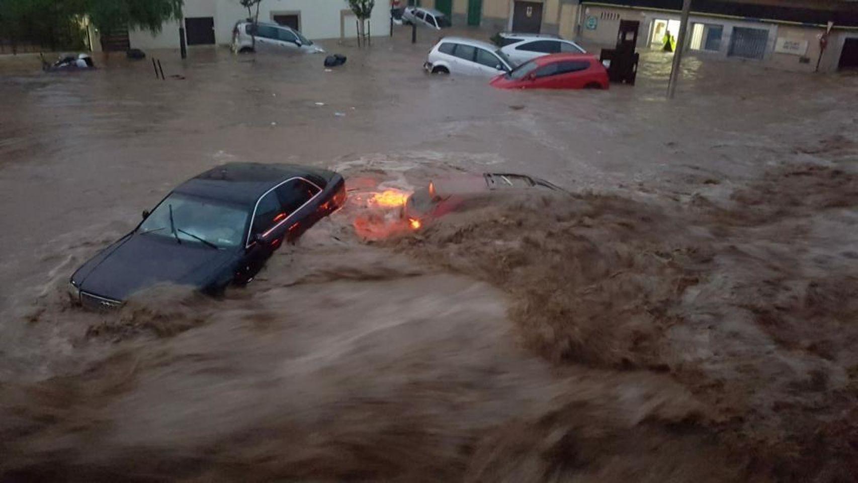 Una riada en Mallorca deja al menos 5 muertos y varios desaparecidos. / EE