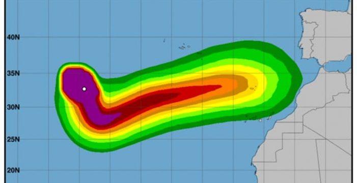 """Leslie, que mañana pasa a categoría de huracán, """"podría sorprender a Canarias"""""""