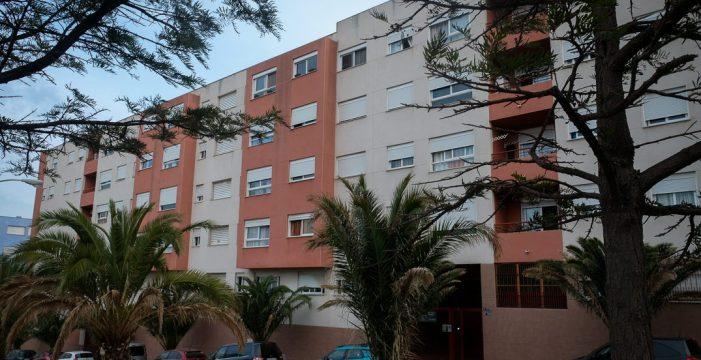El Santander pretende echar hoy de su casa de Añaza a Valeria y su hijo