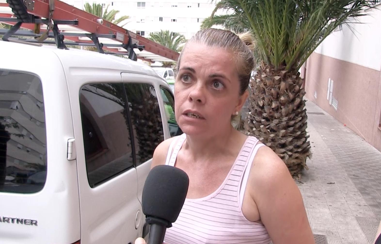 Hablamos con los vecinos de Añaza que están a punto de ser desahuciados. / DA