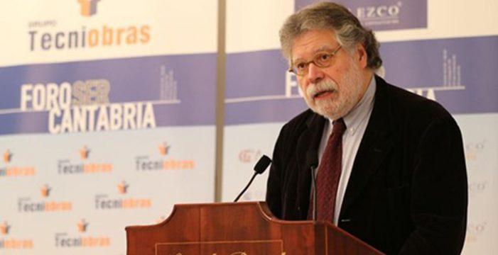 """Joaquín Estefanía: """"La información es un producto caro, probablemente, más que el petróleo"""""""