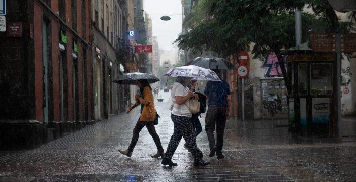 """La llegada de un frente """"roto y débil"""" dejará lluvias este fin de semana en Canarias"""