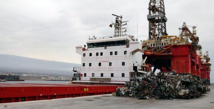 El puerto de Granadilla realizó ayer su primera operación de estiba