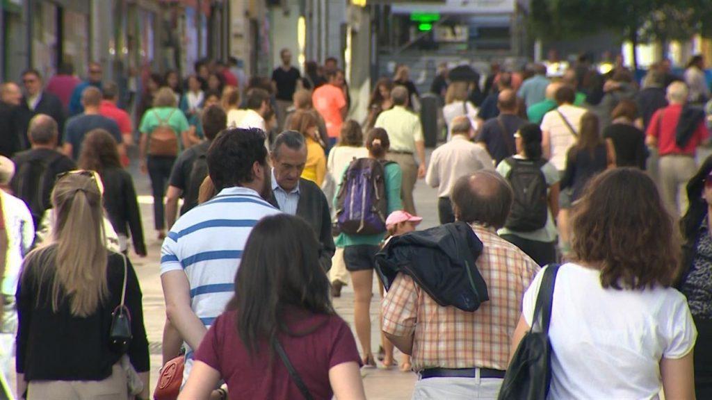 El envejecimiento de la población irá a más en las Islas. En Tenerife, Los Silos, Garachico y Fasnia son los municipios con el mayor segmento de mayores. DA