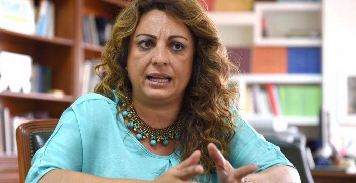 El Parlamento reprueba la gestión de Cristina Valido en dependencia