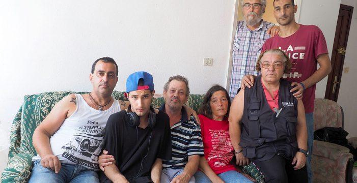 Carlos Rojas empieza una nueva vida, con trabajo pero aún sin piso