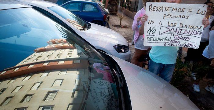 Los vecinos de Añaza aguardan por la confirmación de que se han frenado los desahucios