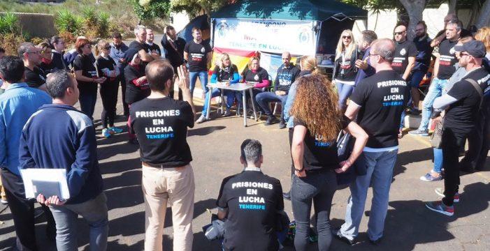 El subdelegado del Gobierno atenderá a los funcionarios acampados en la prisión Tenerife II