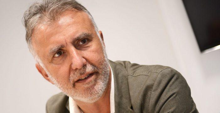 Pedro Sánchez promete a Torres volcarse en las elecciones canarias de mayo