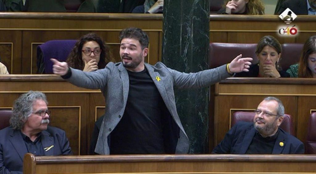 Momento insólito en el Parlamento: insultos, escupitajos y Rufián expulsado del hemiciclo. / EP