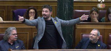 Momento insólito en el Parlamento: insultos, escupitajos y Rufián expulsado del hemiciclo